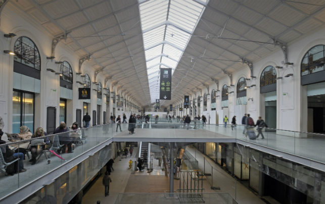 Saint Lazare Train Station